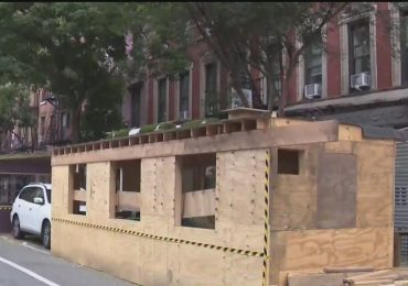 Construction on 2nd floor of outdoor dining structure in East Village stopped by NYC